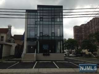 1636 Parker Ave, Fort Lee, NJ 07024