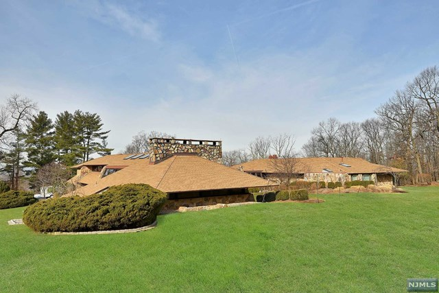 Additional photo for property listing at 11 Autumn Terrace Alpine, New Jersey 07620 United States