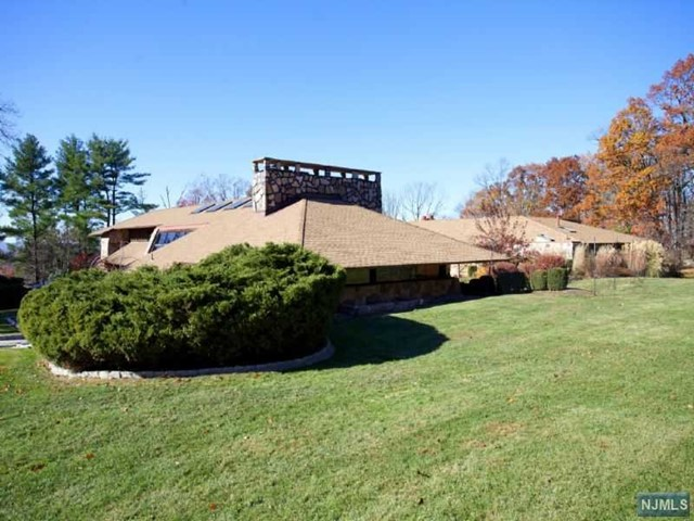 Single Family Home for Sale at 11 Autumn Terrace 11 Autumn Terrace Alpine, New Jersey 07620 United States