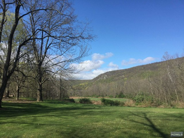 Additional photo for property listing at 730 Ramapo Valley Rd  Mahwah, Νιου Τζερσεϋ,07430 Ηνωμενεσ Πολιτειεσ
