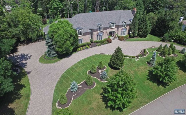 Single Family Home for Sale at Magnificient Estate Home 6 Finn Ct Mahwah, New Jersey,07430 United States