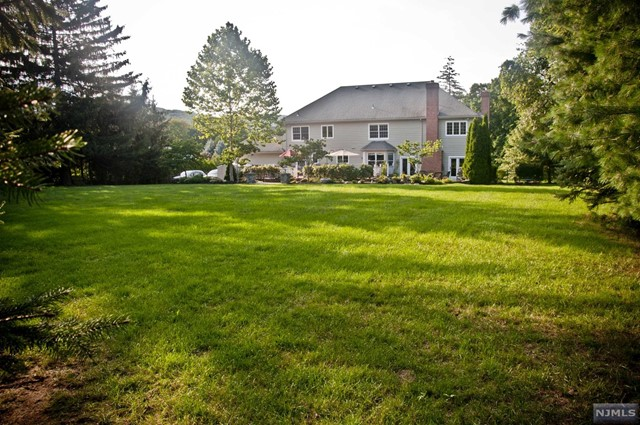 Additional photo for property listing at 36 Jacobean Way  Mahwah, New Jersey,07430 Hoa Kỳ