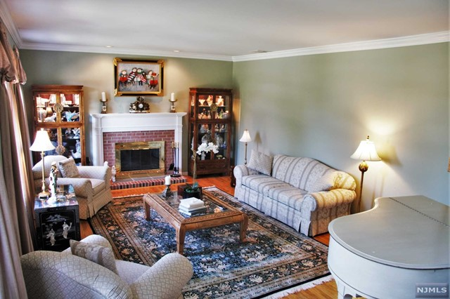 Additional photo for property listing at 36 Jacobean Way  Mahwah, New Jersey,07430 États-Unis
