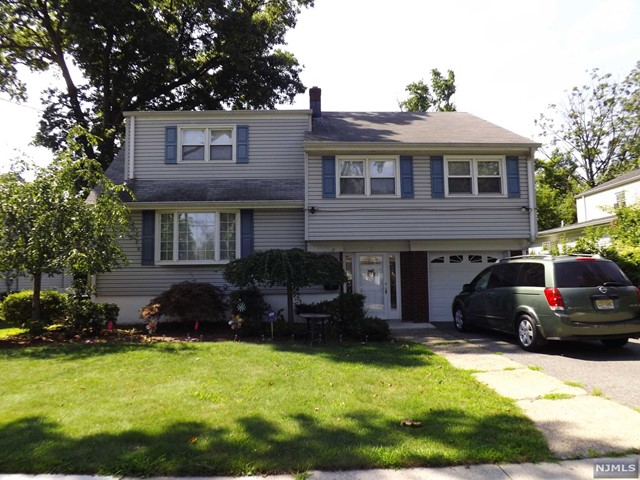 158 Lenox Ave, New Milford, NJ 07646