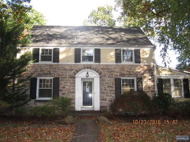 713 Heights Rd, Ridgewood, NJ 07450