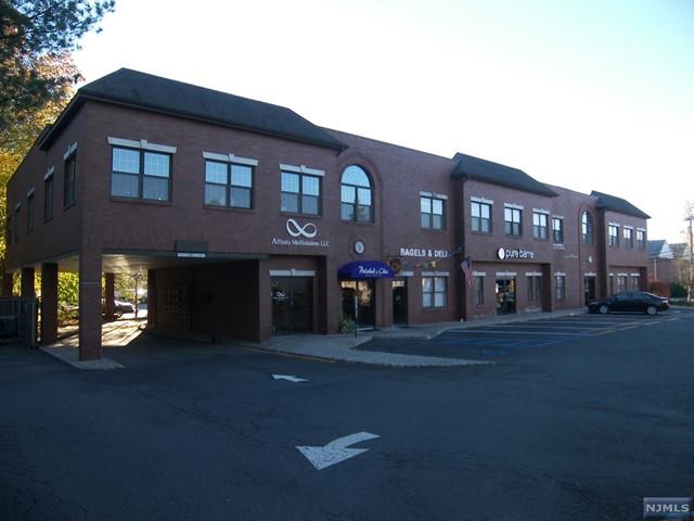 139 Kinderkamack Rd, Park Ridge, NJ 07656