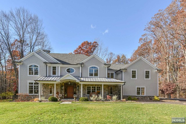 11 Old County Ct, Demarest, NJ 07627