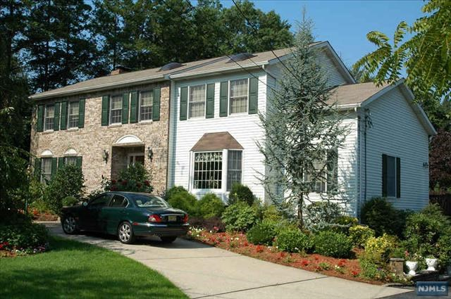 530 W Saddle River Rd, Ridgewood, NJ 07450