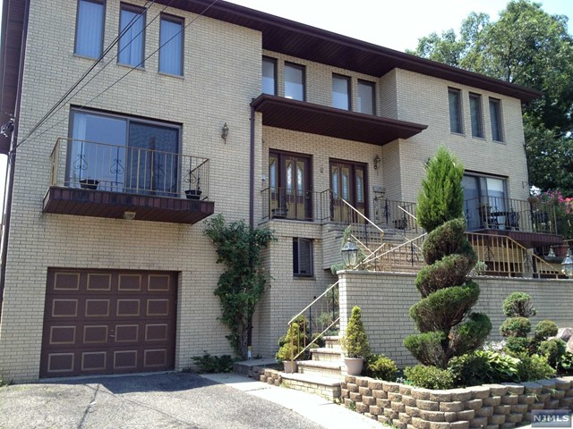 394 Pleasant Ave, Cliffside Park, NJ 07010