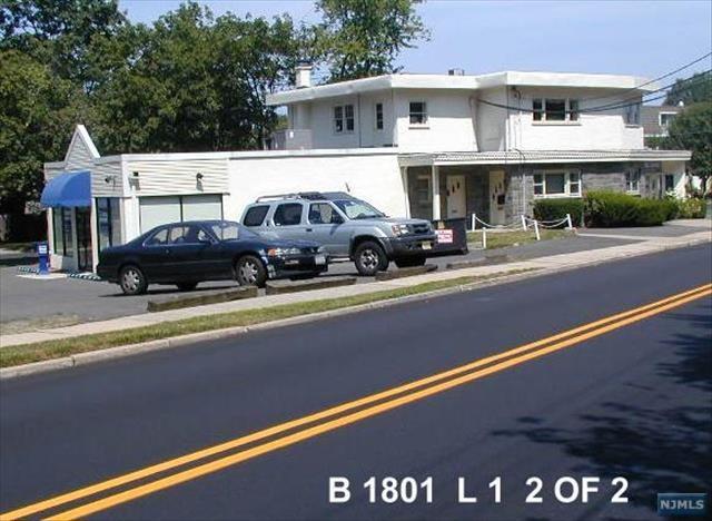 19 Huyler Ave, Tenafly, NJ 07670