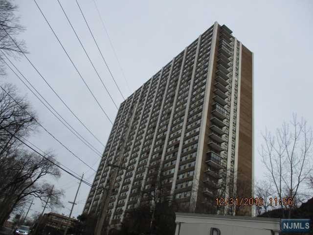 250 Gorge Rd 29J, Cliffside Park, NJ 07010