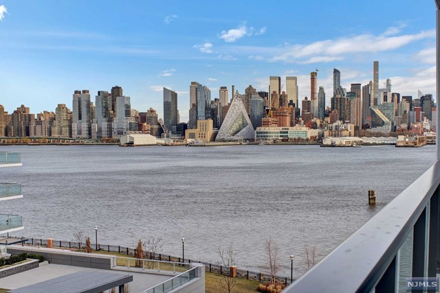 1200 Ave At Port Imperial 605, Weehawken, NJ 07086