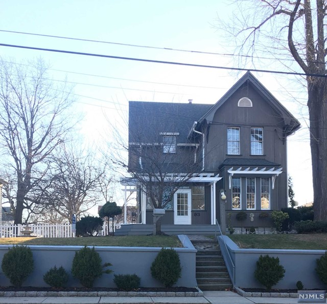 93 Woodward Ave, Rutherford, NJ 07070