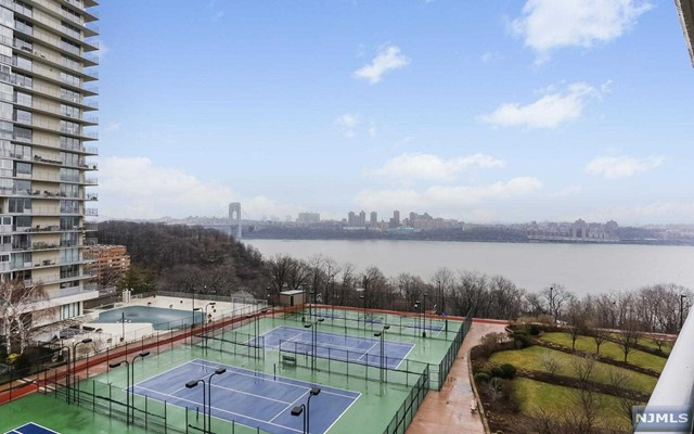 Home for sale at 1512 palisade ave 7d in fort lee nj for 728 000