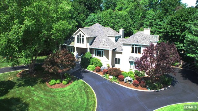 Single Family Home for Sale at Perfect For Entertaining 45 Seminary Dr Mahwah, New Jersey,07430 United States