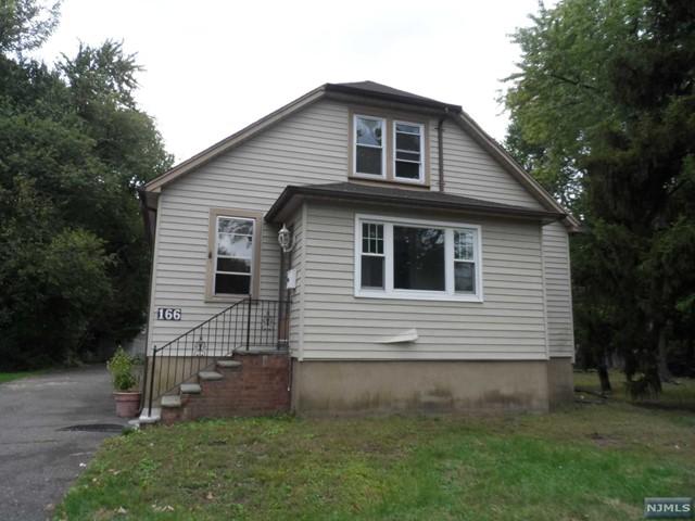 166 Howland Ave, Paramus, NJ 07652