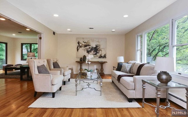 18 Sussex Rd, Tenafly, New Jersey