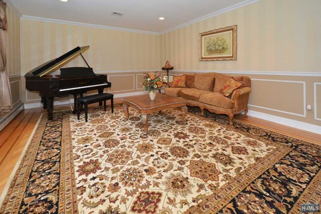 Additional photo for property listing at 77 Walsh Dr  Mahwah, New Jersey,07430 Stati Uniti