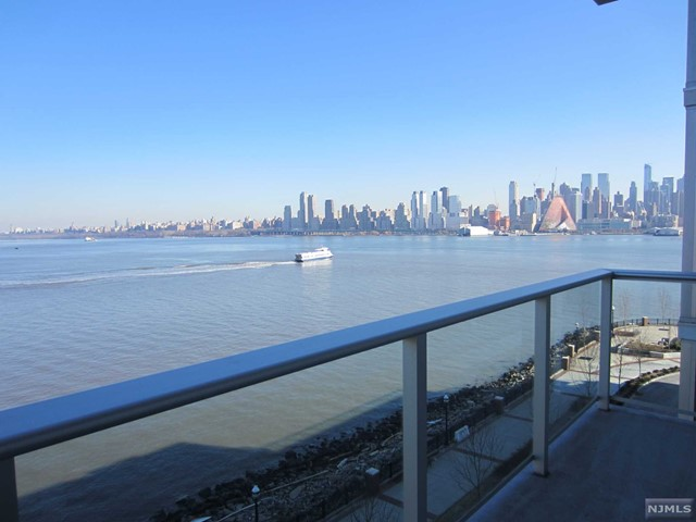 1000 Ave At Port Imperial, Weehawken, NJ 07086