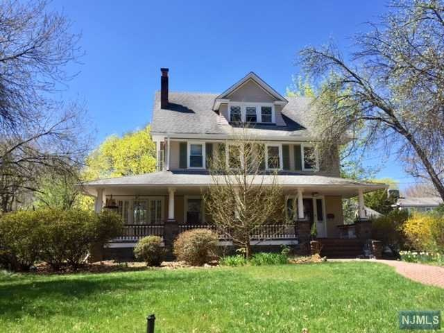 308 Woodside Ave, Ridgewood, NJ 07450