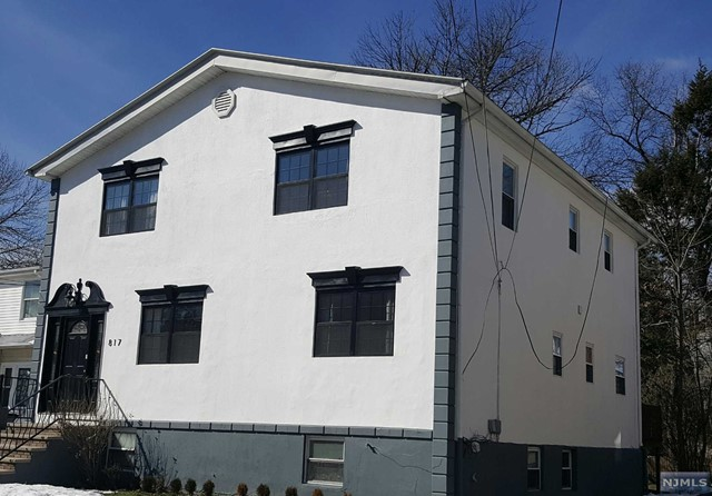 817 Jassamine Way, Fort Lee, NJ 07024