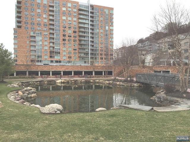 811 Hudson Park, Edgewater, NJ 07020