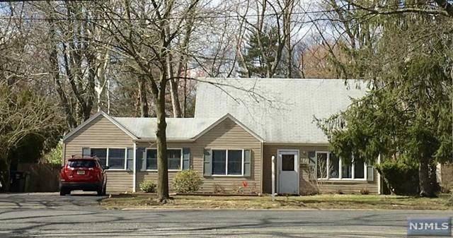 493 Forest Ave, Paramus, NJ 07652