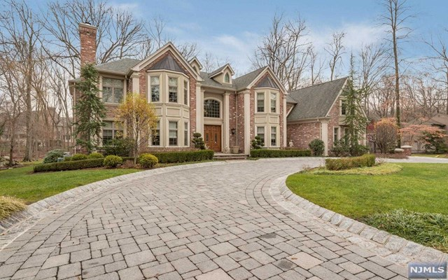 28 Churchill Rd, Old Tappan, NJ 07675
