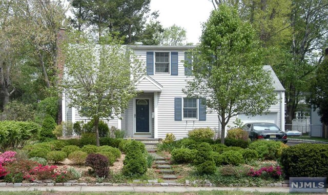 148 County Rd, Demarest, NJ 07627