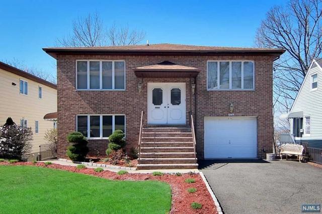 789 Oakwood Ln, Ridgefield, NJ 07657