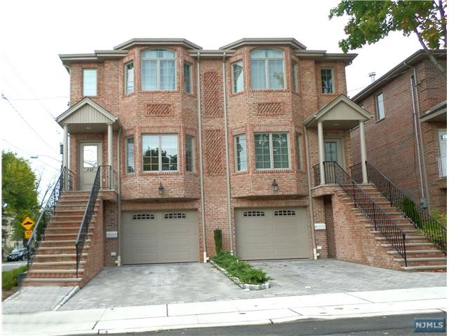 427 Nelson Ave, Cliffside Park, NJ 07010