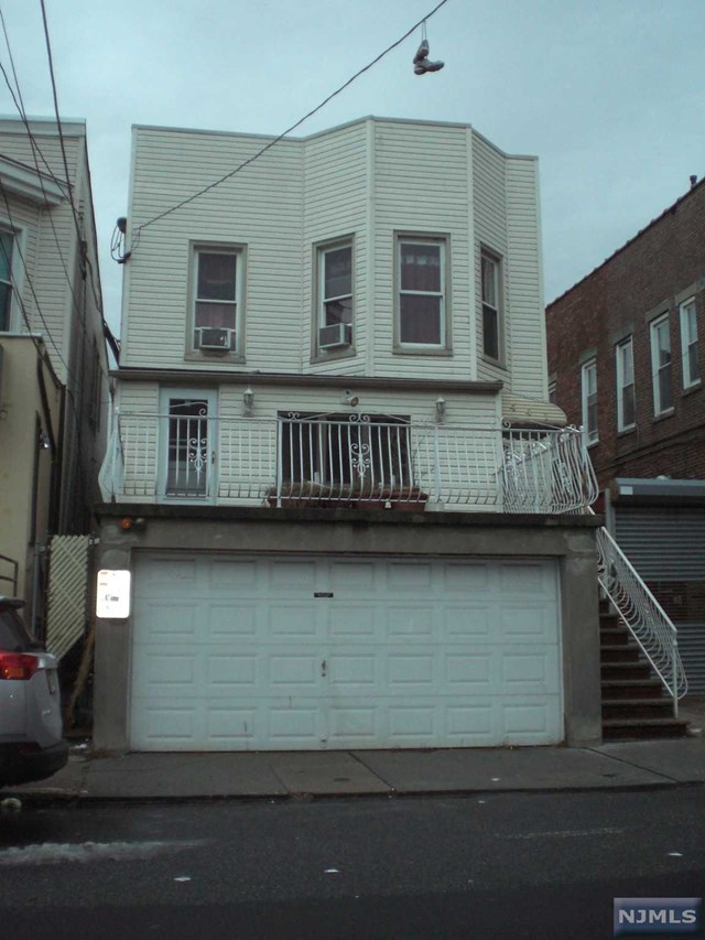 441 57th St, West New York, NJ 07093