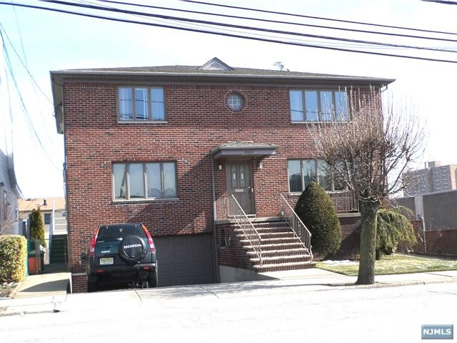 363 Edgewater Rd, Cliffside Park, NJ 07010