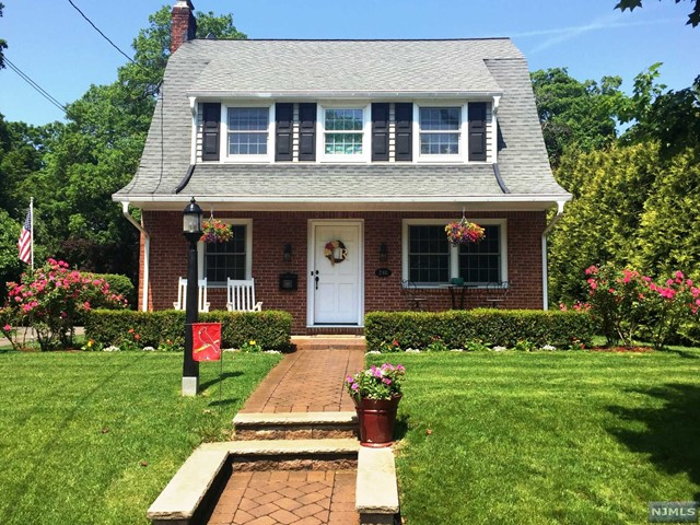 246 Circle Ave, Ridgewood, NJ 07450