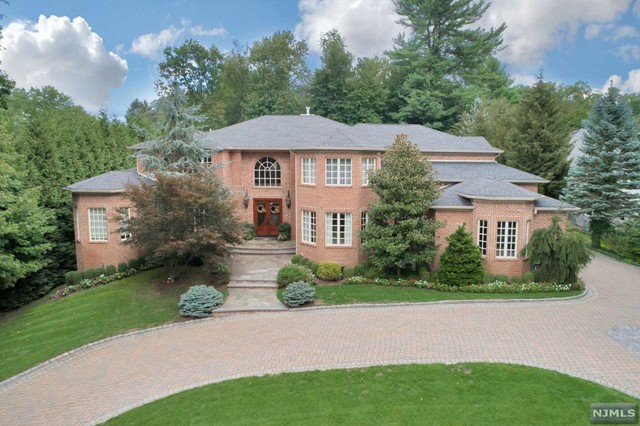 296 Hardenburgh Ave, Demarest, NJ 07627