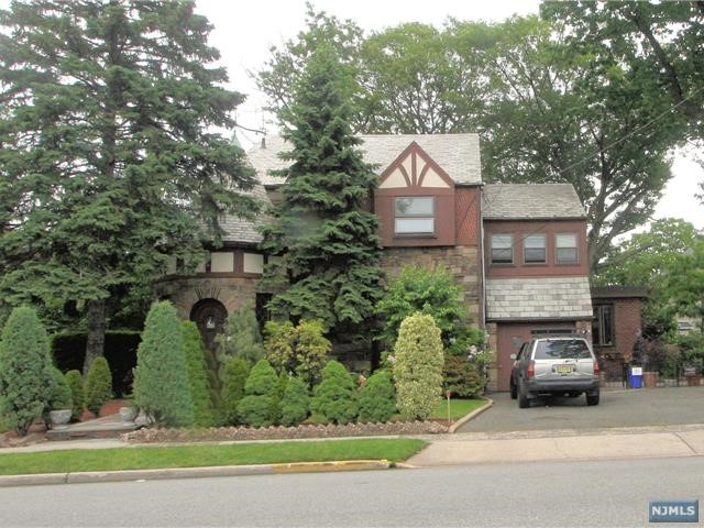 1130 Anderson Ave, Fort Lee, NJ 07024