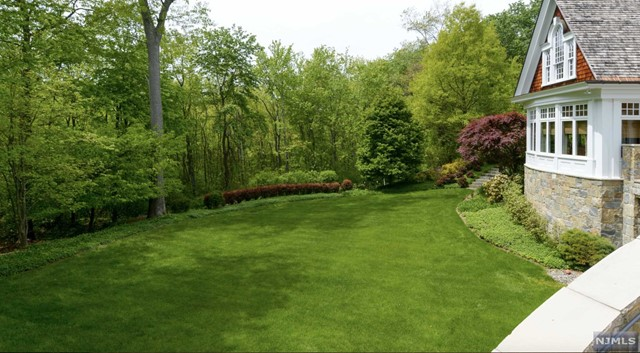 Additional photo for property listing at 340 Indian Trail Dr  Franklin Lakes, Nova Jersey,07417 Estados Unidos