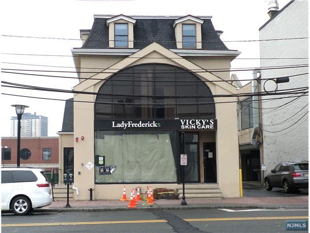 1645 Palisade Ave, Fort Lee, NJ 07024
