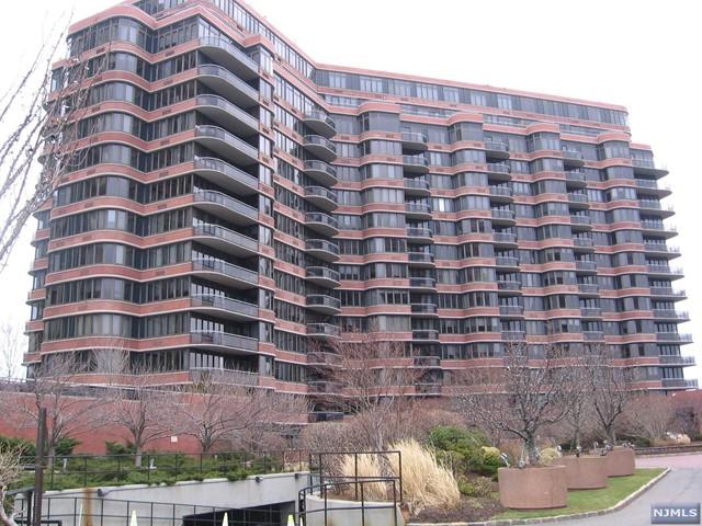 100 Winston Dr 5 B South, Cliffside Park, NJ 07010