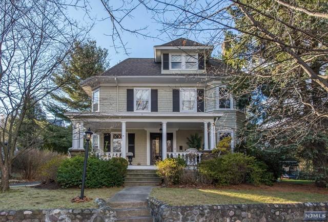200 Claremont Rd, Ridgewood, NJ 07450