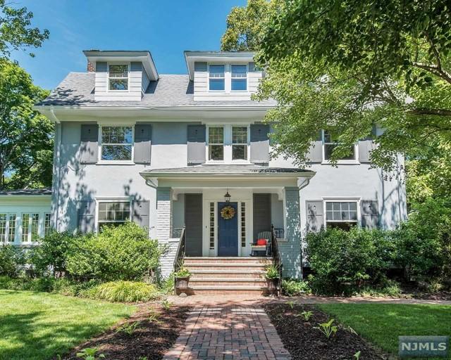 136 Christopher St, Montclair, NJ 07042