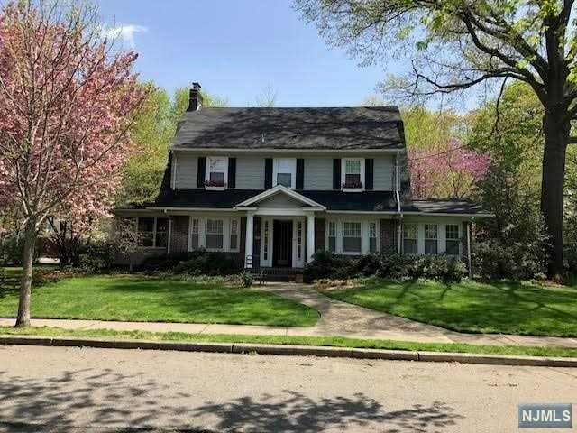 29 Tonawanda Rd, Glen Rock, NJ 07452