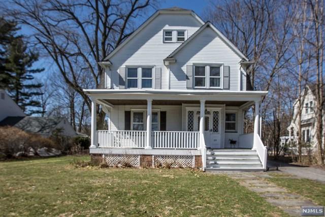 319 Grove St, Oradell, NJ 07649