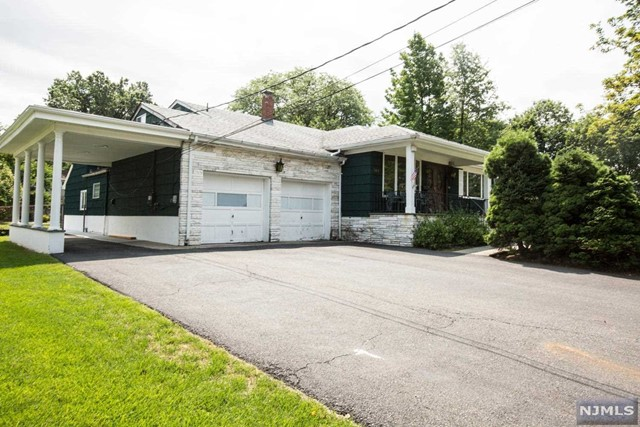561 Mabie St, New Milford, NJ 07646