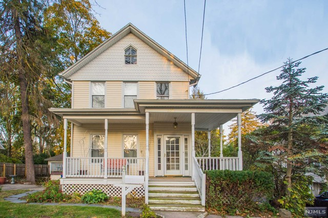 126 Liberty St, Ridgewood, NJ 07450