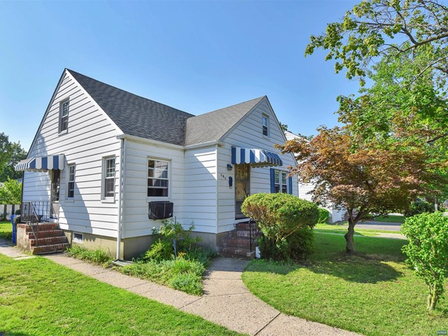 181 Grand Ave, Rutherford, NJ 07070