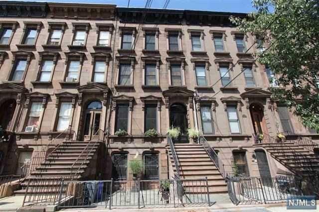 910 Hudson St, Hoboken, NJ 07030