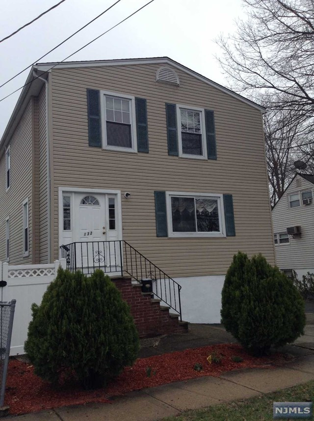 132 Phelps Ave, Bergenfield, NJ 07621