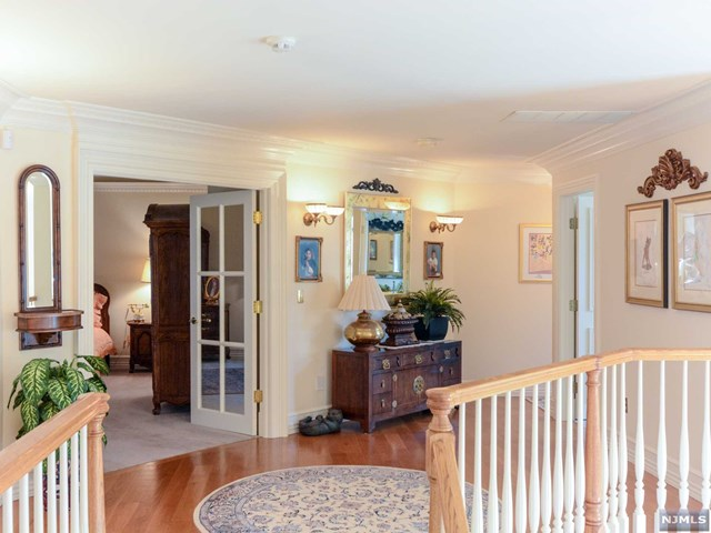 Additional photo for property listing at 2 Hetzel Dr 2 Hetzel Dr Mahwah, New Jersey,07430 Vereinigte Staaten