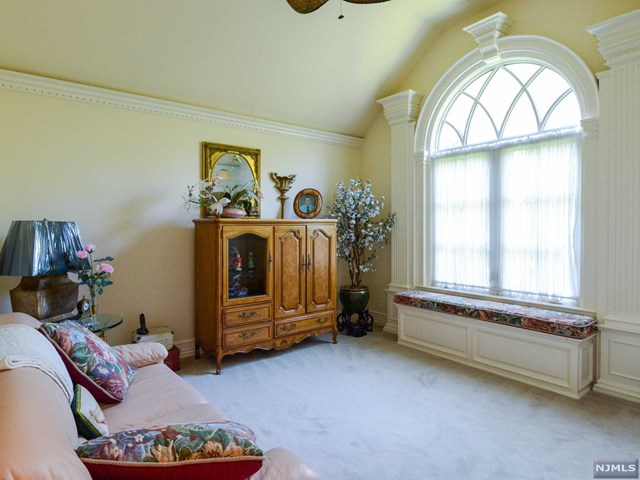 Additional photo for property listing at 2 Hetzel Dr 2 Hetzel Dr Mahwah, 뉴저지,07430 미국